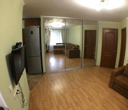Продажа. Элитная двухкомнатная квартира с перепланировкой комнат непосредственно возле ЦУМ.